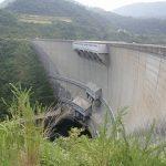 大きさに圧倒! アーチ式ダムで西日本一の高さを誇る巨大ダム「温井ダム」を見学してみました