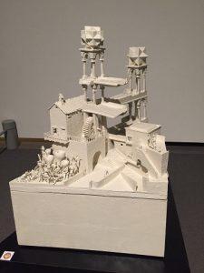 エッシャー「滝」の立体模型