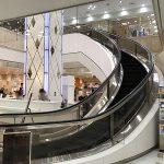 アクア広島センター街にある「曲がるエスカレーター」、実は高度な技術で作られた数少ない製品でした!