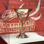 カープベースボールギャラリー(旧カルピオ)で優勝記念展を開催中!優勝トロフィーを間近で
