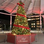 広島駅で「クリスマスツリー・イルミネーション」実施中!18:00~0:00に鐘を鳴らすと・・・