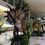 大型恐竜の模型が動く・吼える!広島空港で「エアポート恐竜ワールド」開催中