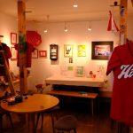 広島市中区舟入にある「ハミングバードカフェ」で「僕らのCARP展vol.5」開催中!