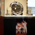 カープベースボールギャラリー(カルピオ)で「クライマックスシリーズ優勝シャーレ」展示中!