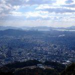 安佐南区にある「権現山」は歩いて登る事なく山頂からの絶景を楽しめます!