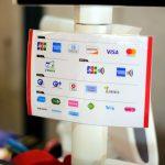 マツダスタジアム1Fにあるグッズショップがクレジットカードや電子マネーに対応!