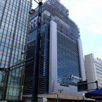 2021年春のオープンに向け建て替え工事が進む「広島銀行 新本店」やその周辺